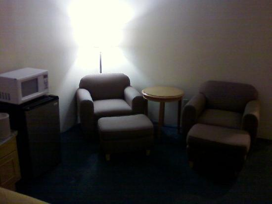 Quality Inn & Suites Greenfield: Seating