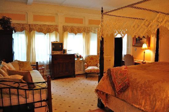Silver Fountain Inn: Dorothy Brown Room