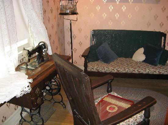 Altoona Railroaders Memorial Museum: Old room