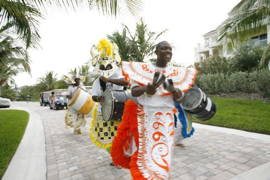 Grand Isle Resort & Spa: junkanoo leading our golf cart motorcade!