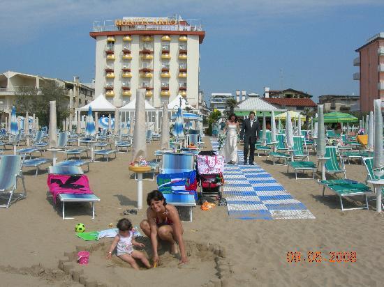 Hotel Montecarlo: che pace in spiaggia
