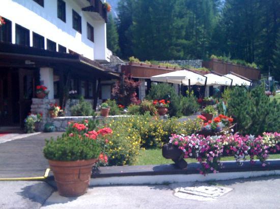 Hotel Mirage Cortina: wunderschöner Garten