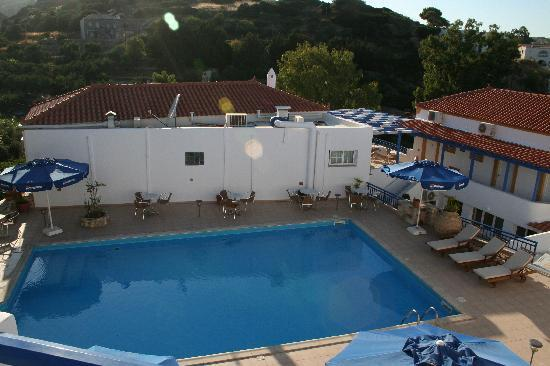 Agia Pelagia, Grecia: View of the pool from our balcony