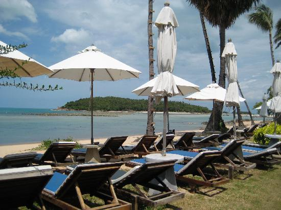 Coral Bay Resort: The resort's private beach