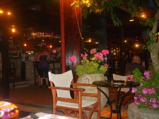 Planos Apart Hotel: Kaliva Bar