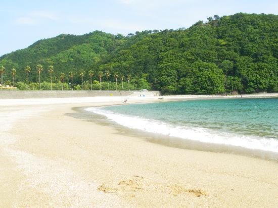 Hotel Tokinoza: 白い波エメラルドグリーンの海