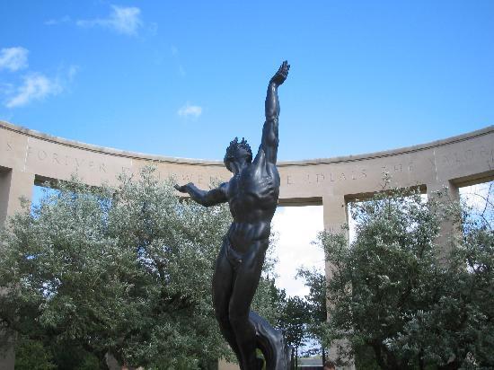 Statue at the Omaha Beach memorial