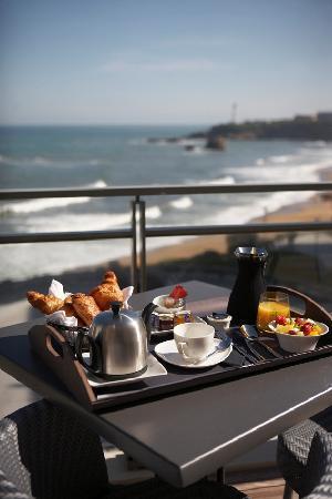Hotel Cafe de Paris: petit déj vue mer