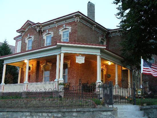 Saint Joseph, MO: Museum Hill B&B