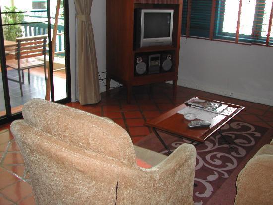Kantary Bay, Phuket : Living Room 1