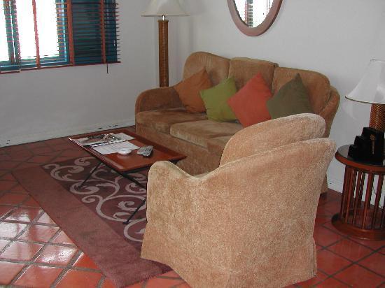 Kantary Bay, Phuket : Living Room 2