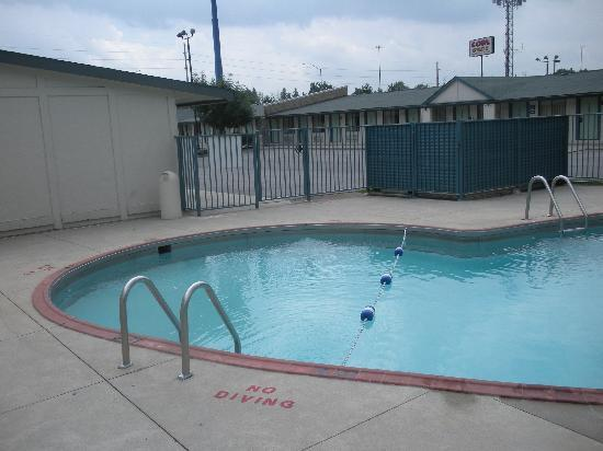 Motel 6 Altoona: Pool