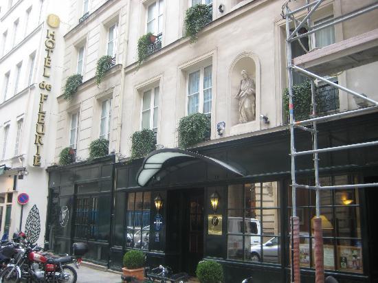 Hotel de Fleurie: Hotel