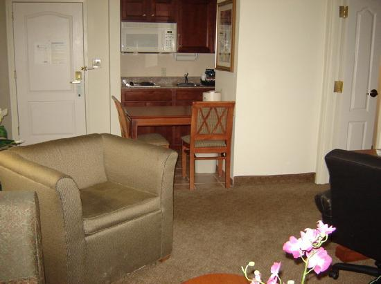 Homewood Suites by Hilton Edgewater - NYC Area: sitting room
