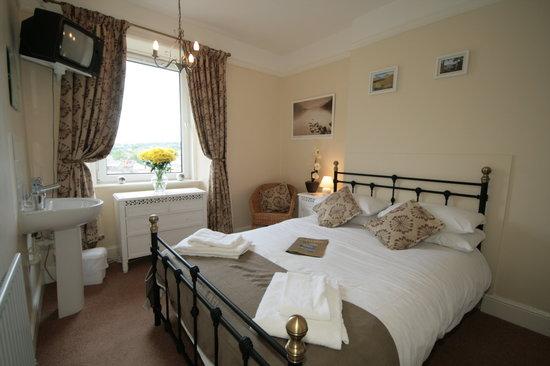 Ferndene Guest House: bedroom