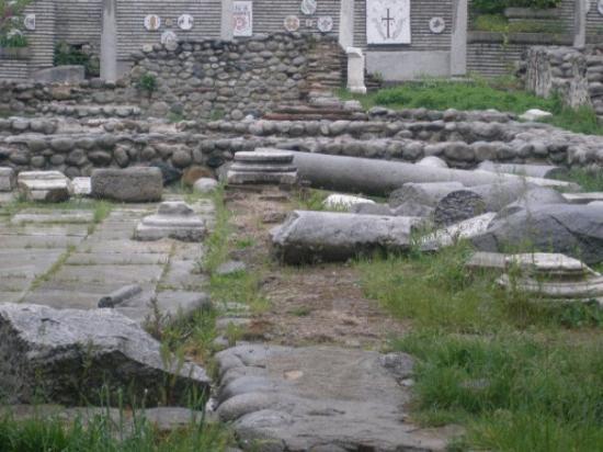 Sandanski, บัลแกเรีย: SOME ANCIENT RUINS