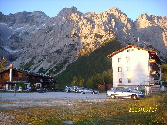Dachstein: the hotel and the chalet