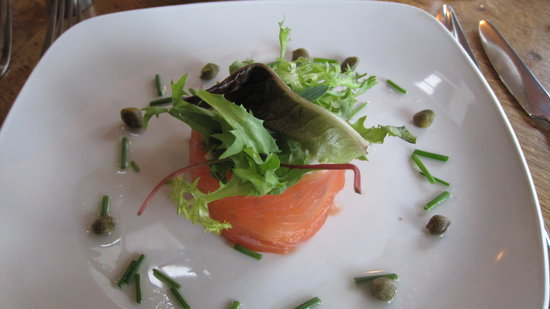Glass House : Smoked salmon starter