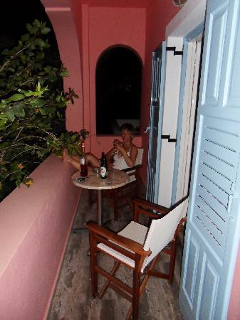 Villa Nikos Kamari: Our balcony