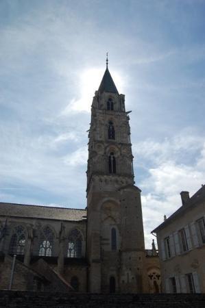 Pierre-Perthuis Photo