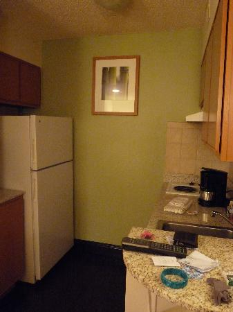 Hyatt House Houston-West/Energy Corridor : Kitchen