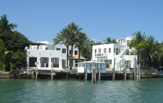 Another rich house of the celebrity 39 s island picture of for Picture of house