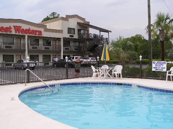Super 8 Conway/ Myrtle Beach Area: the pool