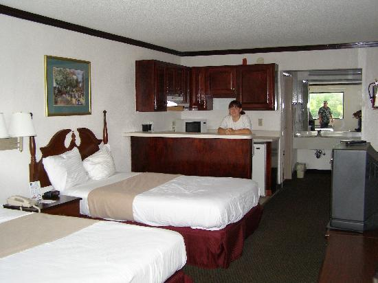 Super 8 Conway/ Myrtle Beach Area: the room