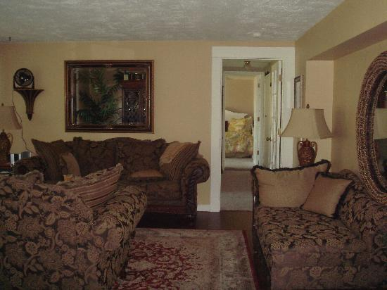 Nob Hill Riverview Bed & Breakfast: Casablanca Suite