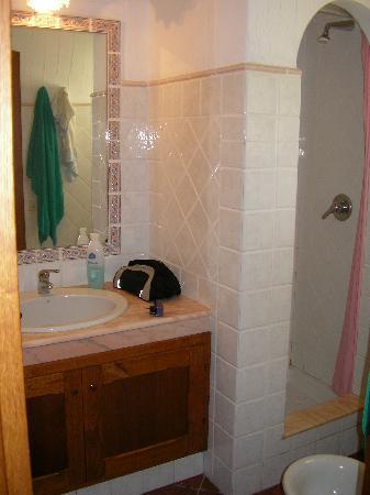 Il bagno...piccolo am funzionale per 2 persone...servizi ...