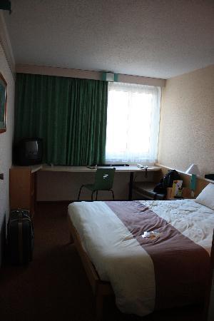 Ibis Regensburg City: The room