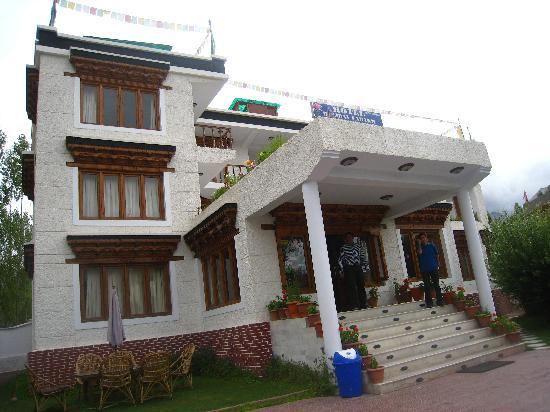 Hotel Holiday Ladakh: Hotel