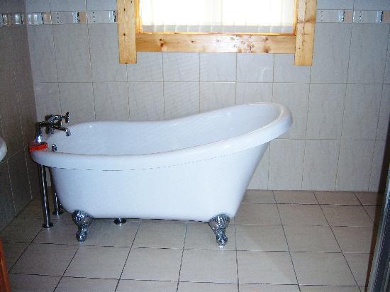 Lochwood Farm Steading: bathroom