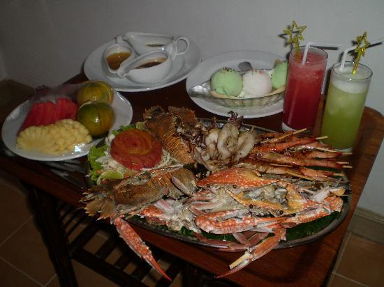 Ko He, Thailand: room service seafood platter