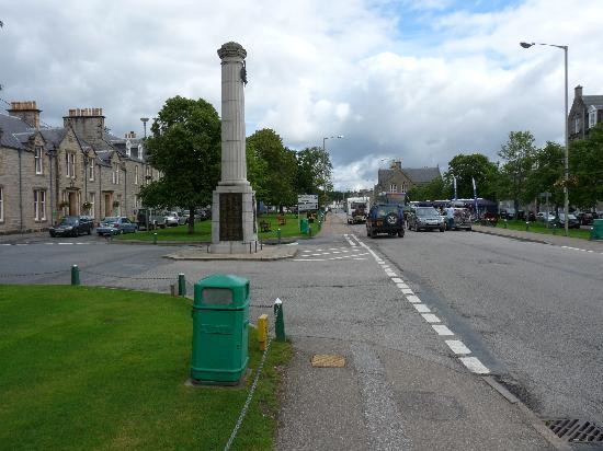 Kinross House: The Square in Grantown-on Spey