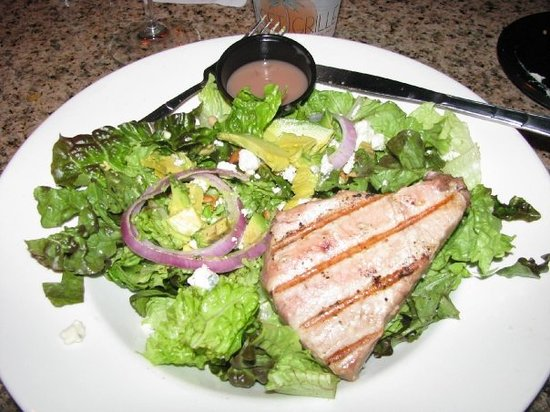 Sunset Grille:                   Salad with Tuna Steak
