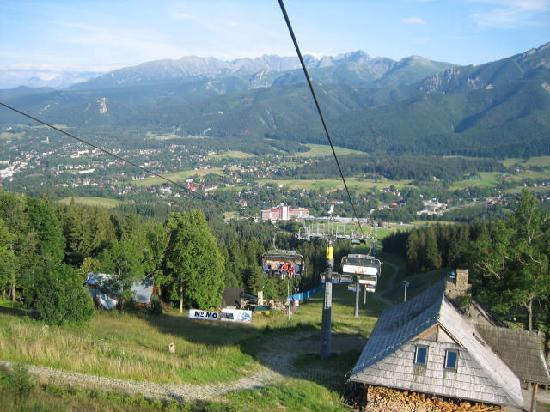 Mercure Kasprowy Zakopane: The Hotel (large bulding in the center of photo) From the ski lift.