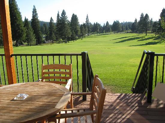 The Cottages At Bailey Creek: View from room to driving range