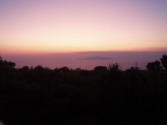 Villa Damecuta: Sunset from the terrace