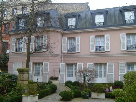 Hotel des Grandes Ecoles: our lovely hotel