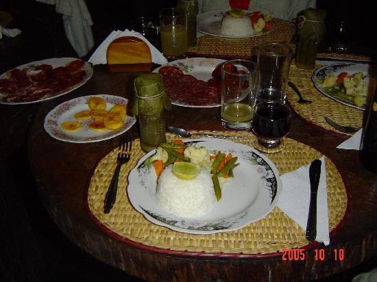 Wasai Tambopata Lodge: Una de nuestras deliciosas cenas.
