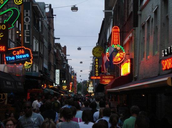 Plaza Leidseplein: Restaurant Row