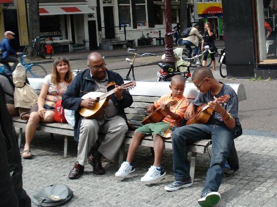 Leiden Platz: Street Musicians