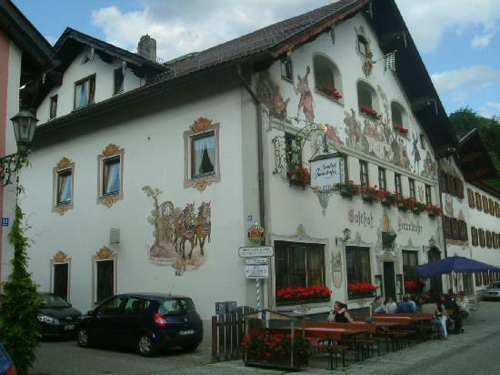 Fraundorfer: Beatiful colorful old building