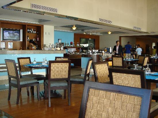 The Lighthouse Marina Resort: The restaurant