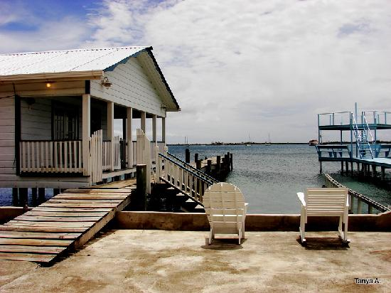 Lazy Daze on the Bay: Dock at the Hotel