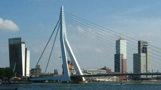 Erasmus Bridge Foto