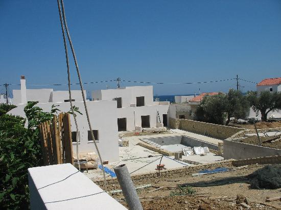 Skyros, กรีซ: The construction site from our balcony