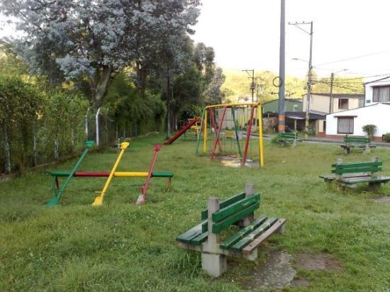 Parque infantil cerca de nuestra casa picture of - Parque infantil casa ...