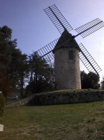 Montpezat d'Agenais, Франция: Moulin de Montpezat (47)